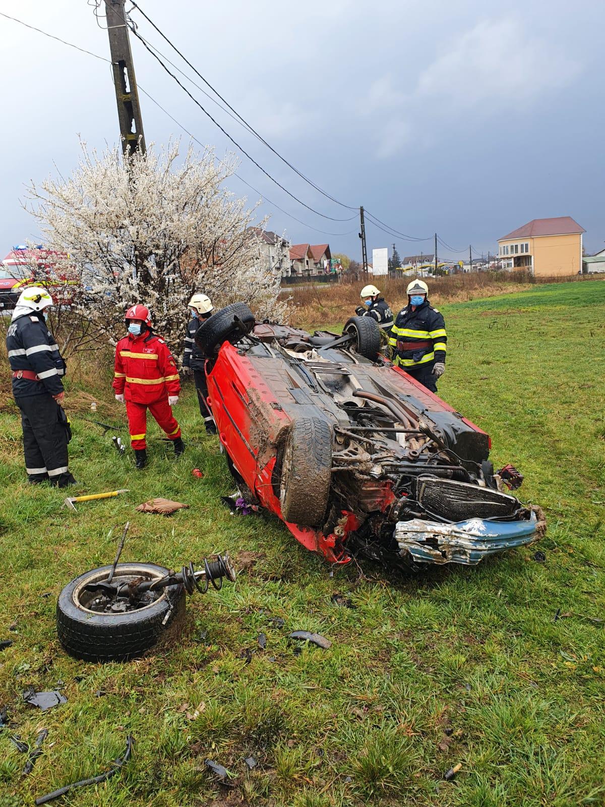 FOTO: Accident urmat de incendiu, în Beiuș 05.04.2021