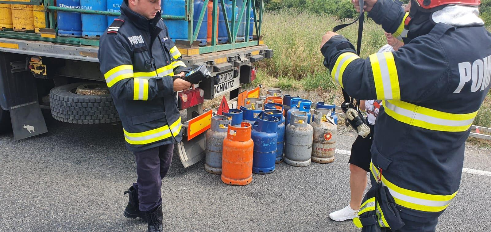 FOTO: Butelii cazute pe carosabil 19.07.2021